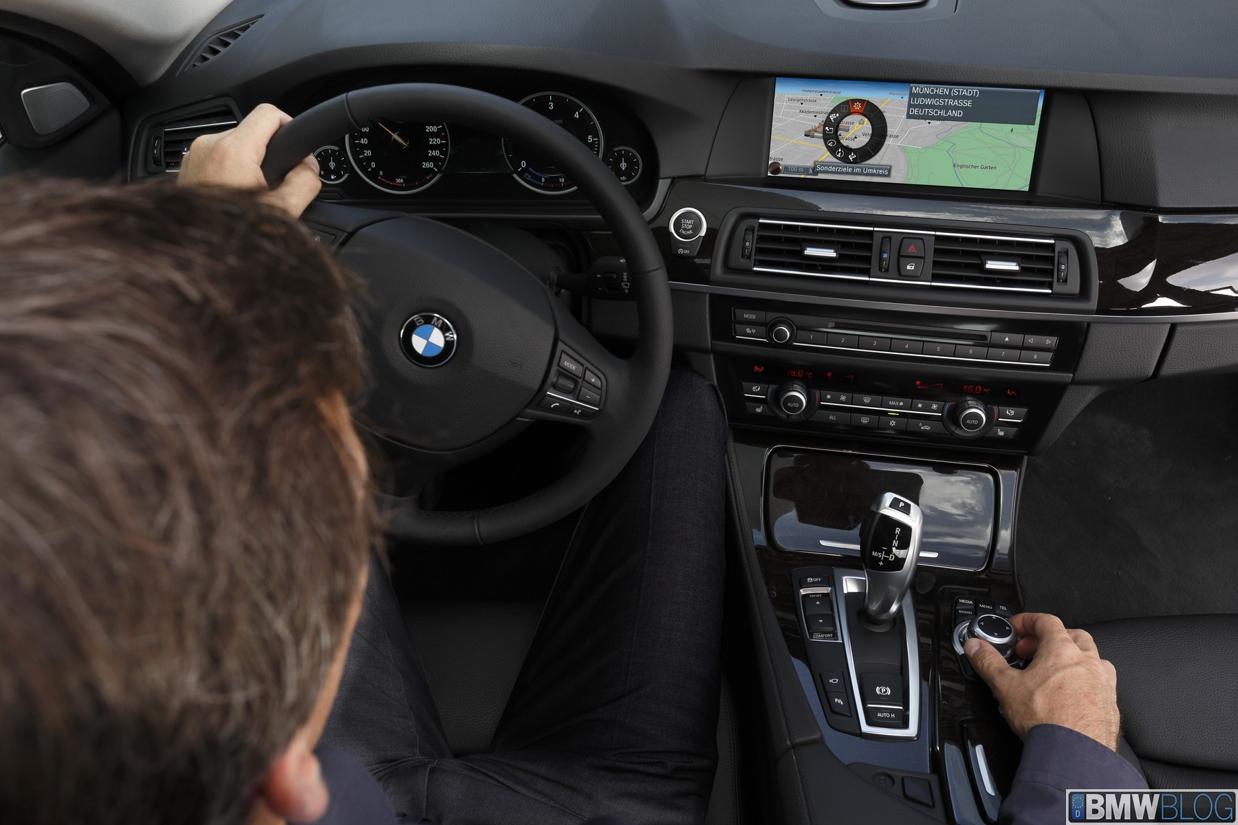 new-bmw-connecteddrive-25